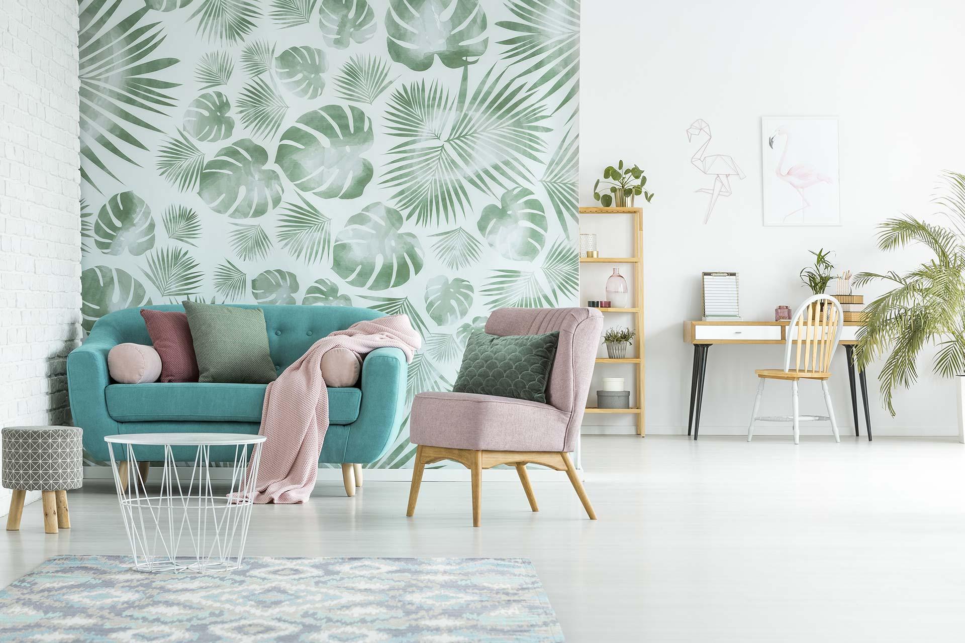 Tapeten & Farben - Modernes, offenes Apartment mit gemusterter Papiertapete