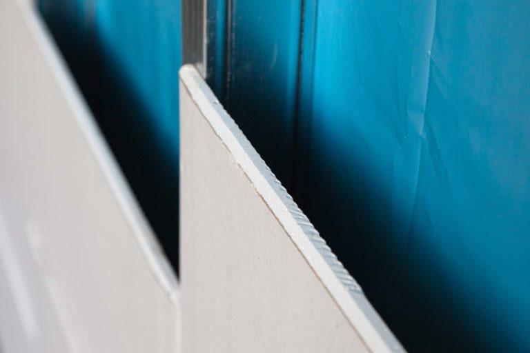 Trockenbau - Profile unter Trockenbau-Wand