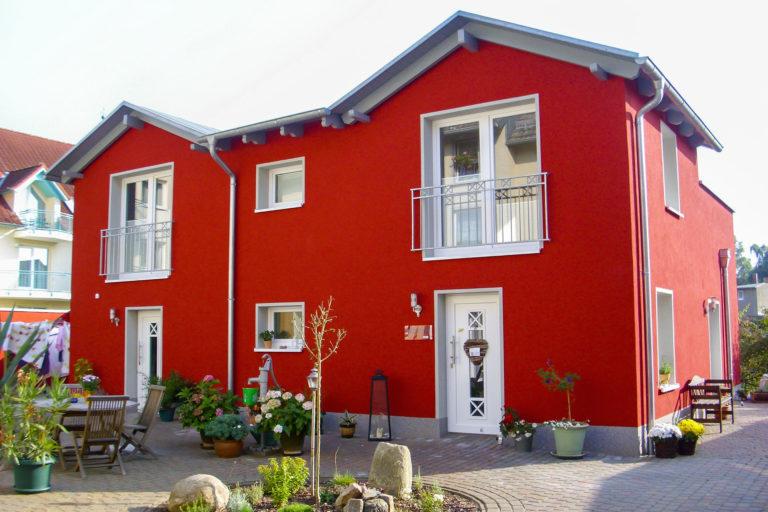 KLEWO Malermeister - Referenzen - Fassadenanstrich, leuchtend rot
